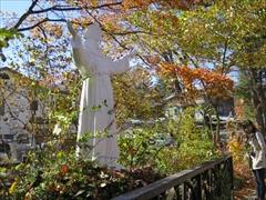 聖パウロカトリック教会 紅葉 軽井沢