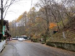 軽井沢 白糸の滝 バス停付近