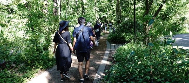 軽井沢 星野エリア 湯川沿岸の遊歩道 2018年8月17日
