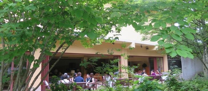 軽井沢のホテルブレストンコートの夏
