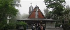軽井沢 聖パウロカトリック教会 夏