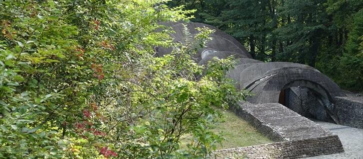 石の教会は秋の気配に包まれています