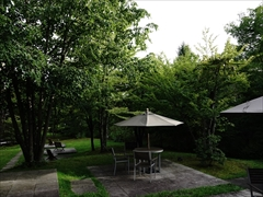 軽井沢 ハーヴェストクラブ 左の中庭
