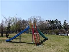 軽井沢 矢ヶ崎公園・大賀ホール 矢ヶ崎公園 遊具・桜