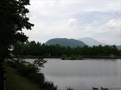 軽井沢 矢ヶ崎公園・大賀ホール 矢ヶ崎公園 離山・浅間山